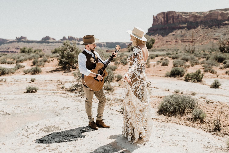 moab under canvas wedding